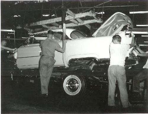 Obreros en la fábrica